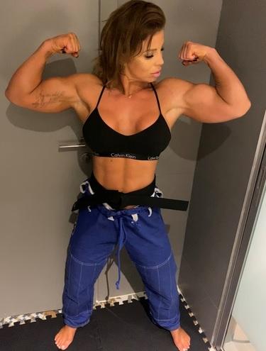 Sheena Muscle 03